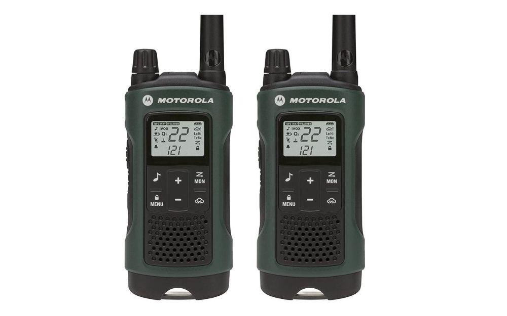 Motorola - Talkabout T465 Rechargeable Two-Way Radio Bundle