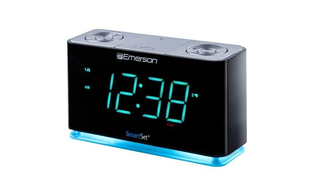 Emerson - SmartSet Alarm Clock Radio